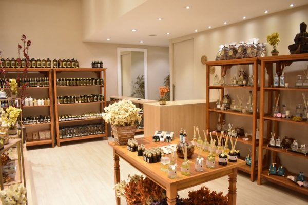 Loja Ambientallis Aromas - Três Rios RJ - Shopping Américo Silva. Linha completa de aromatizadores de ambiente, difusor de aromas, velas perfumadas, óleos essenciais, água de passar, essências e mais