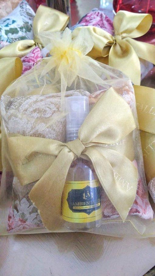 Kit Sachê Almofada Perfumada + Mini Aromatizante Spray 35 ml